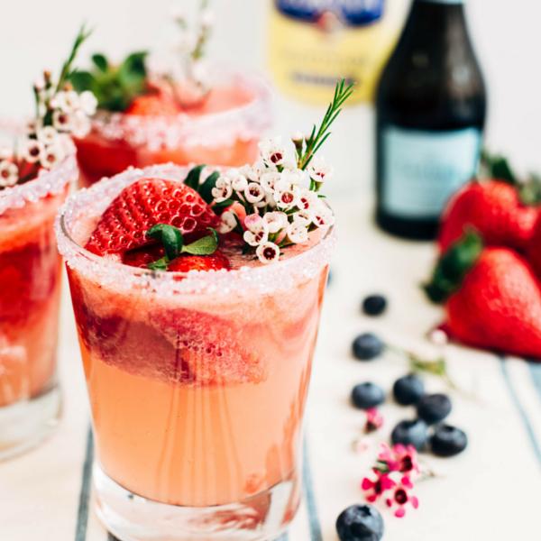strawberry lemonade spritzer